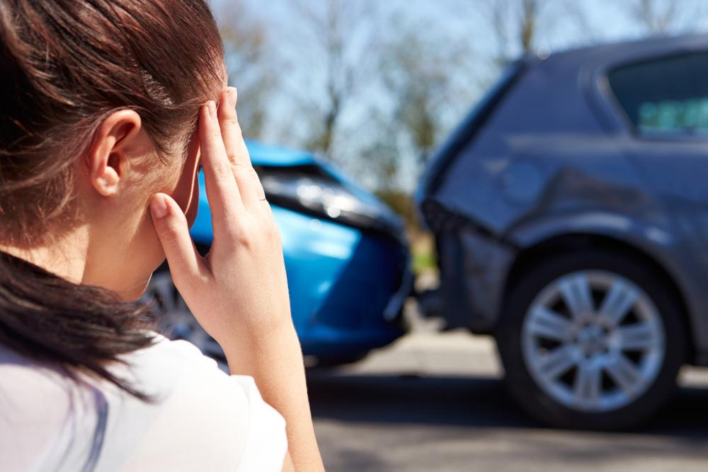 woman after auto accident injury before seeing a tracy, manteca or mountain house chiropractor