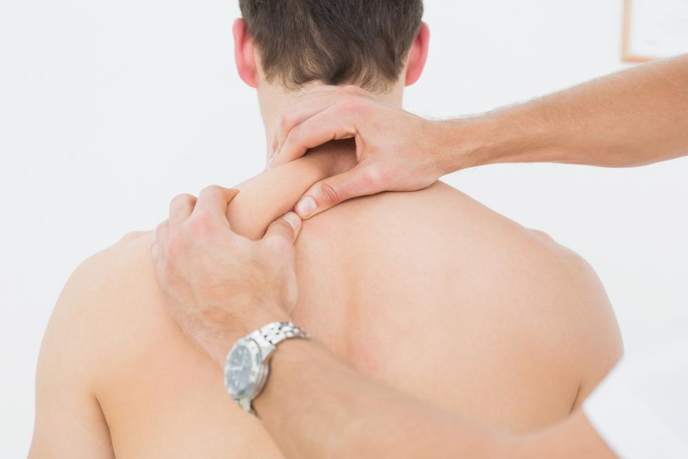 patient with chiropractor in Tracy Mountain and Manteca for chiropractic care